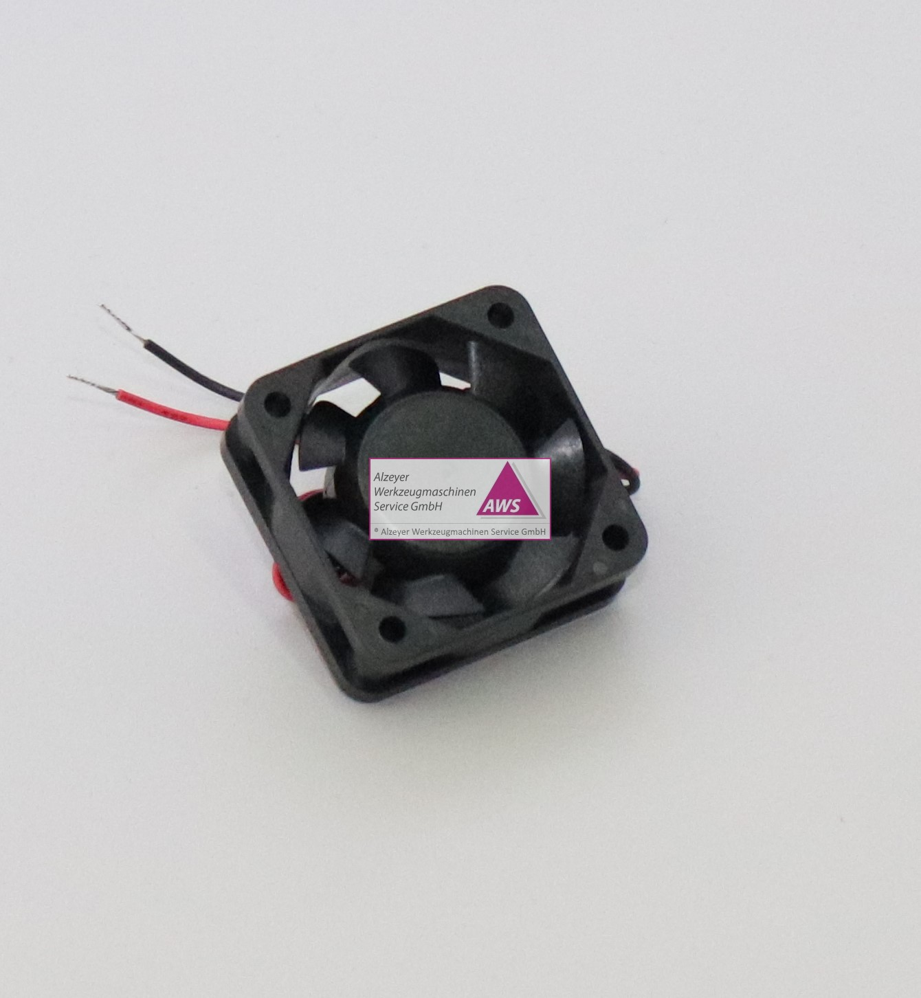 Ventilator Viereckig 40x40x15mm dick (24VDC)